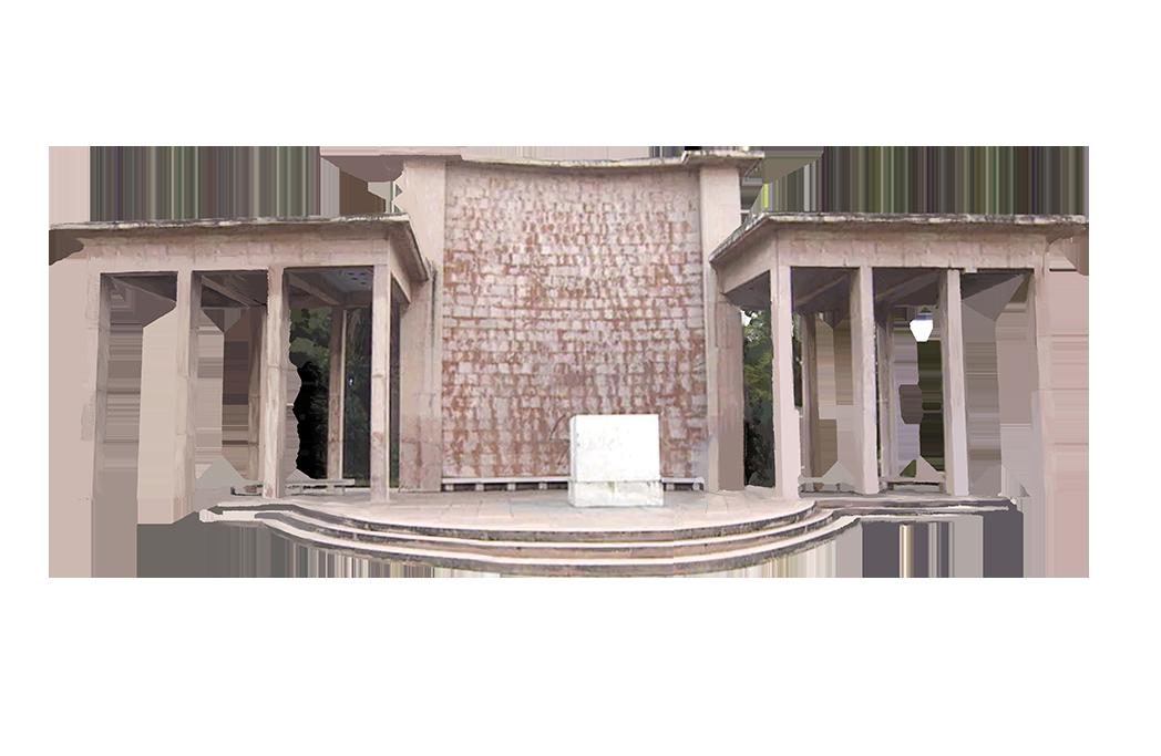 Estrutura onde estivera a estátua de Carmona, pouco antes da sua demolição.