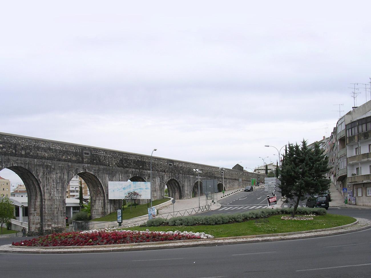 A Praça das Águas Livres sem o monumento.